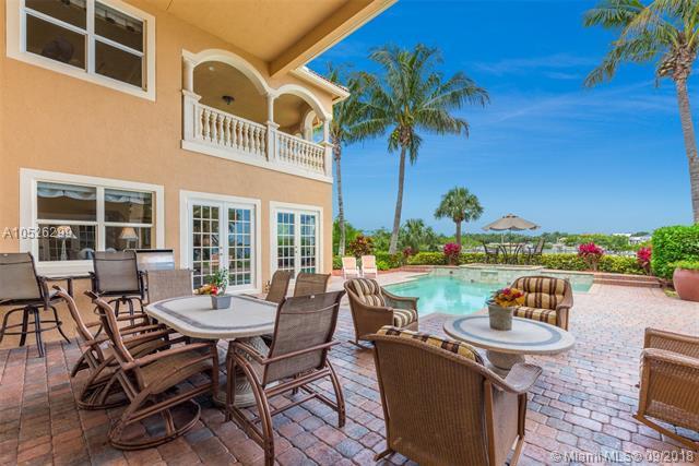 238 SW Palm Cove Dr, Palm City, FL 34990 (MLS #A10526299) :: Stanley Rosen Group