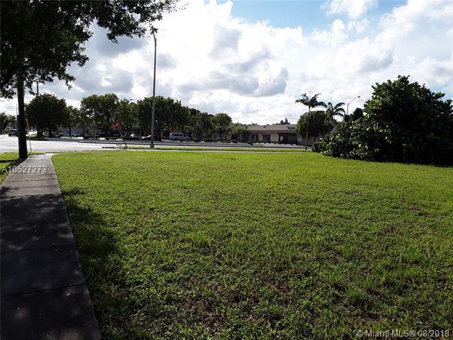 17830 NW 27th Ave, Miami Gardens, FL 33056 (MLS #A10527273) :: Berkshire Hathaway HomeServices EWM Realty
