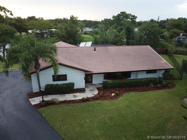 3561 NW 99 AVE, Coral Springs, FL 33065 (MLS #A10527286) :: Hergenrother Realty Group Miami