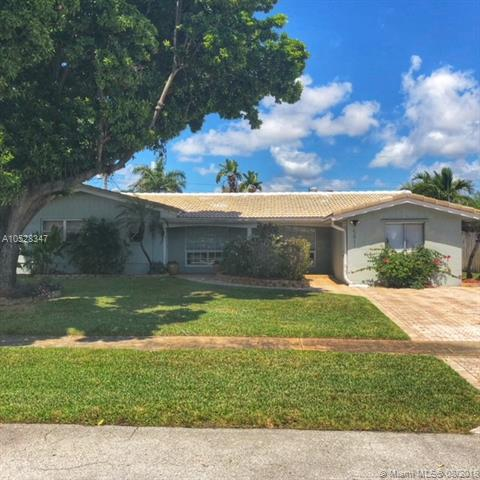 5811 NE 22nd Ter, Fort Lauderdale, FL 33308 (MLS #A10528347) :: Stanley Rosen Group