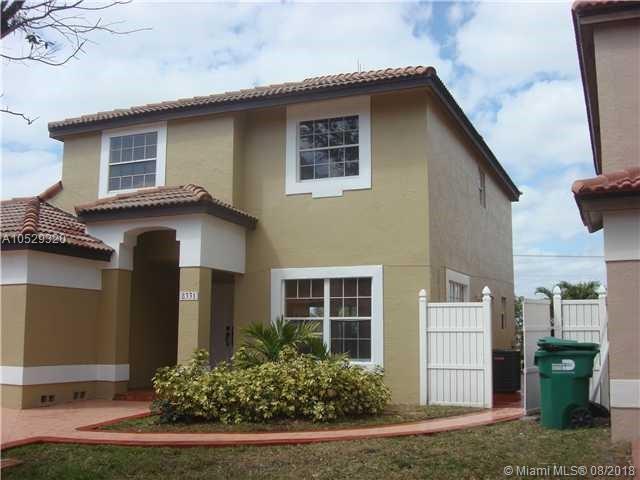 8331 NW 201 Terrace, Hialeah, FL 33015 (MLS #A10529320) :: Green Realty Properties