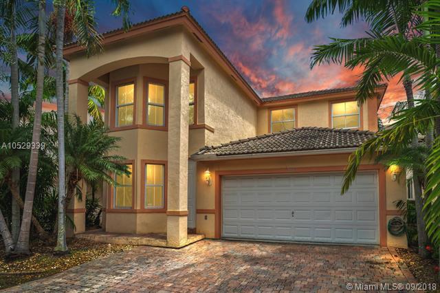 218 SE 15TH STREET, Dania Beach, FL 33004 (MLS #A10529339) :: Green Realty Properties