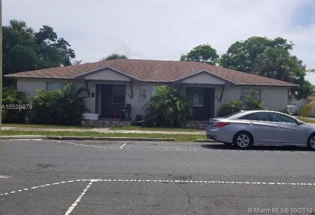 314 Douglass Ave, West Palm Beach, FL 33401 (MLS #A10529879) :: Stanley Rosen Group