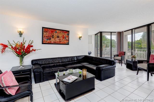 4000 Towerside Ter #302, Miami, FL 33138 (MLS #A10530481) :: Green Realty Properties