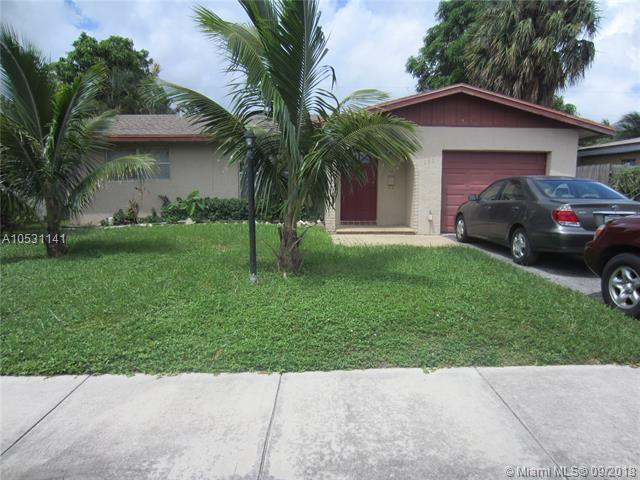 131 NE 26th St, Pompano Beach, FL 33064 (MLS #A10531141) :: Green Realty Properties
