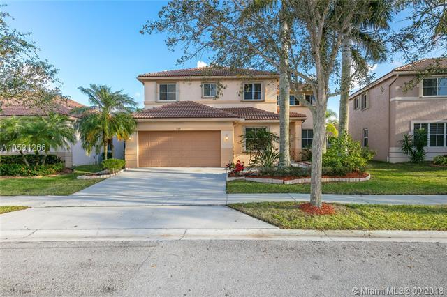979 Tulip Cir, Weston, FL 33327 (MLS #A10531266) :: The Teri Arbogast Team at Keller Williams Partners SW