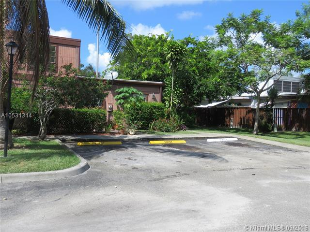 1740 NW 74th Ave #21, Plantation, FL 33313 (MLS #A10531314) :: Stanley Rosen Group