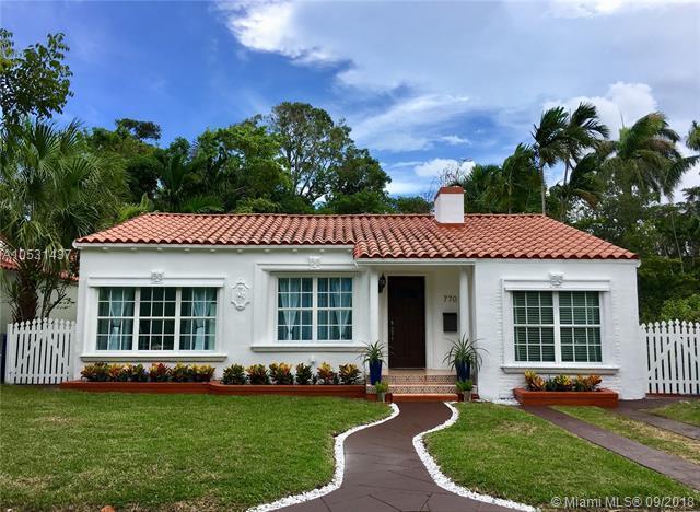 770 NE 77th St, Miami, FL 33138 (MLS #A10531437) :: Miami Lifestyle