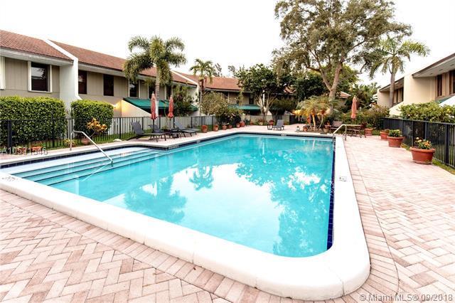 2815 NE 60th St #2815, Fort Lauderdale, FL 33308 (MLS #A10531546) :: Green Realty Properties