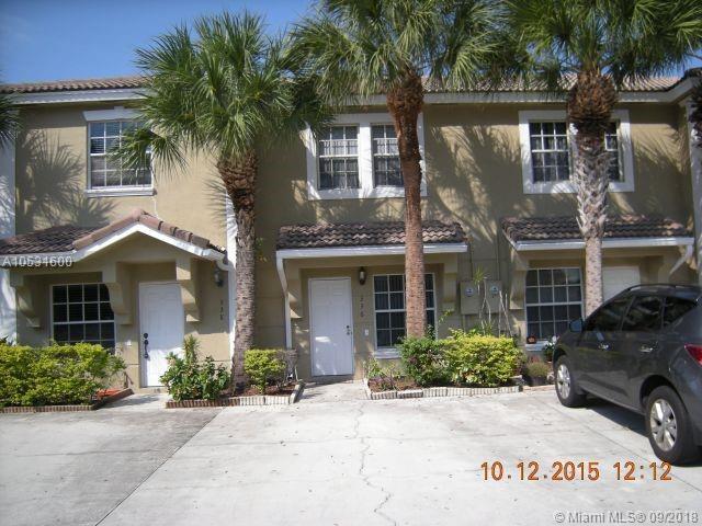 336 SW 121, Pembroke Pines, FL 33025 (MLS #A10531600) :: Green Realty Properties