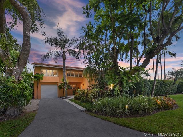 1545 Algardi Avenue, Coral Gables, FL 33146 (MLS #A10532321) :: Stanley Rosen Group