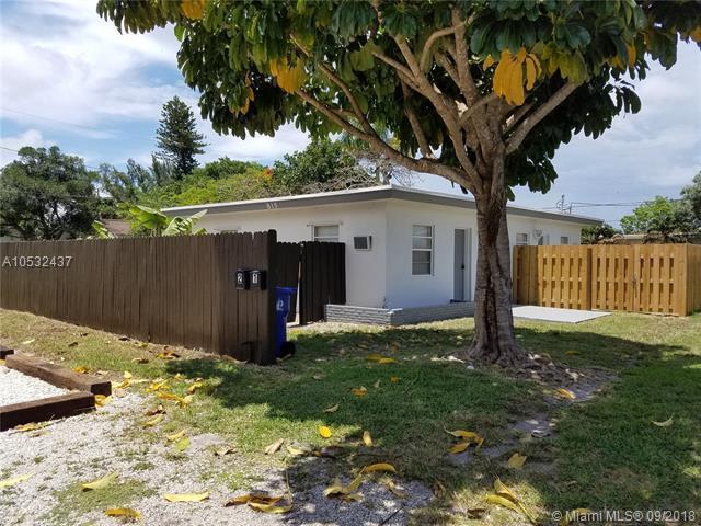 815 NE 14th Ct, Fort Lauderdale, FL 33304 (MLS #A10532437) :: Stanley Rosen Group