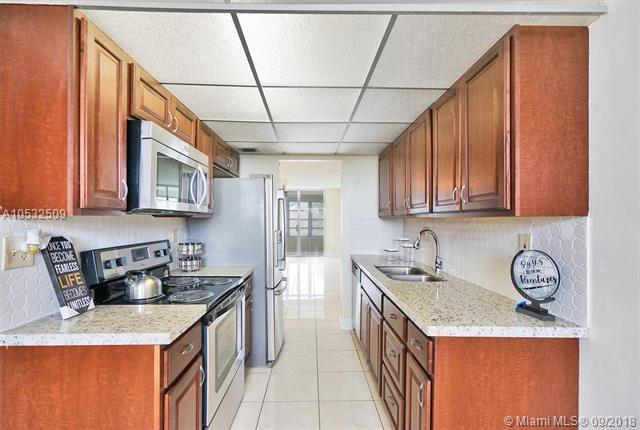 2601 NW 48th Ter #450, Lauderdale Lakes, FL 33313 (MLS #A10532509) :: Stanley Rosen Group