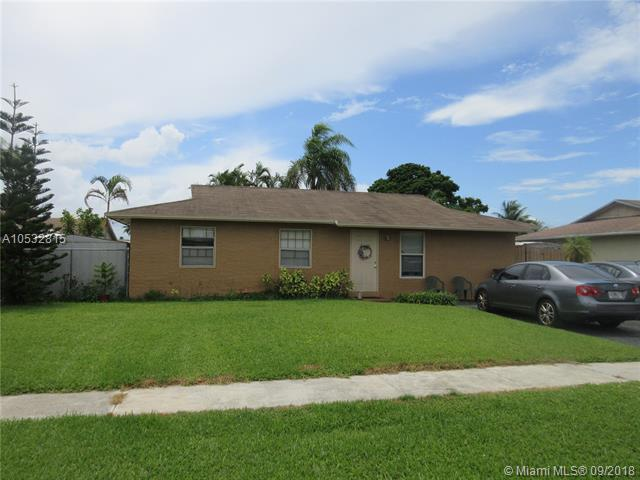 8130 SW 6th Ct, North Lauderdale, FL 33068 (MLS #A10532815) :: Stanley Rosen Group