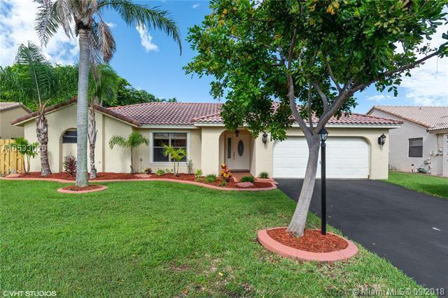 6671 W Wedgewood Ave, Davie, FL 33331 (MLS #A10533020) :: Stanley Rosen Group