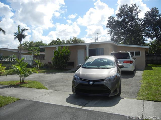 3630 SW 40th Ave, West Park, FL 33023 (MLS #A10533172) :: Stanley Rosen Group