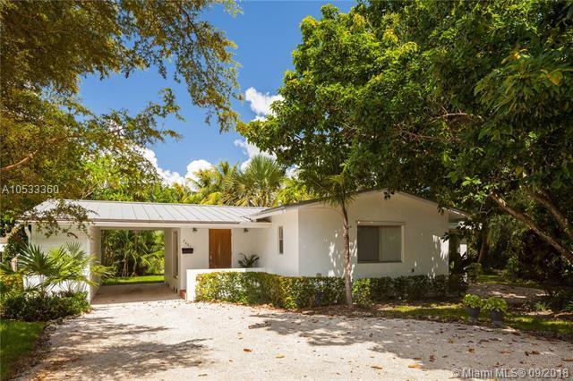 7661 SW 65th Pl, South Miami, FL 33143 (MLS #A10533360) :: Carole Smith Real Estate Team