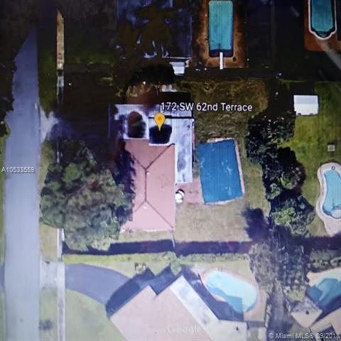 172 SW 62nd Ter, Plantation, FL 33317 (MLS #A10533559) :: Stanley Rosen Group
