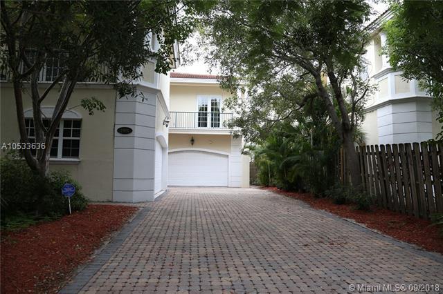 1403 NE 23rd St, Wilton Manors, FL 33305 (MLS #A10533636) :: Stanley Rosen Group