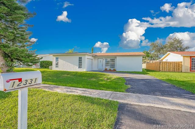 12331 NW 30th St, Sunrise, FL 33323 (MLS #A10533690) :: The Riley Smith Group