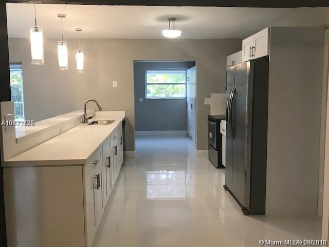 1191 Bluebird Ave, Miami Springs, FL 33166 (MLS #A10533828) :: Hergenrother Realty Group Miami