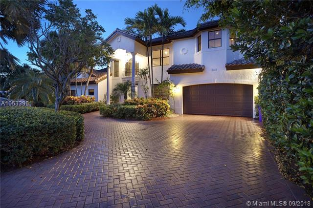 1512 SE 9th St, Deerfield Beach, FL 33441 (MLS #A10533901) :: Stanley Rosen Group