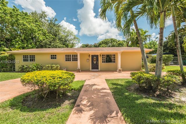 7440 SW 136 St, Palmetto Bay, FL 33156 (MLS #A10534010) :: Green Realty Properties