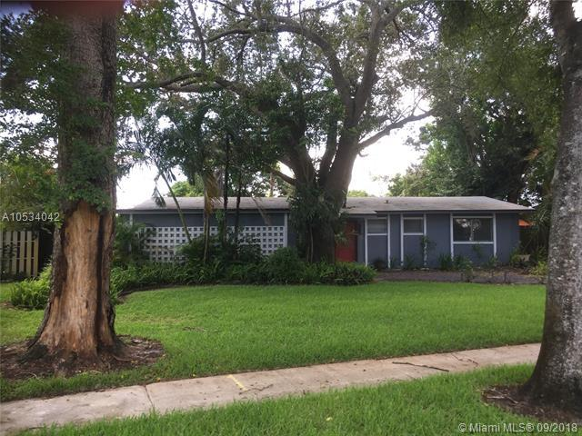 4872 NW 1st Ct, Plantation, FL 33317 (MLS #A10534042) :: Stanley Rosen Group