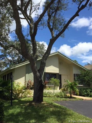 3751 S Arelia Dr S, Delray Beach, FL 33445 (MLS #A10534301) :: Stanley Rosen Group