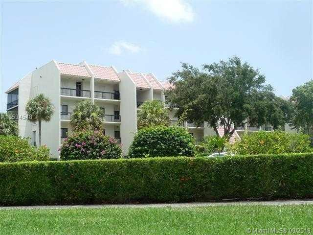 2550 Presidential Way #205, West Palm Beach, FL 33401 (MLS #A10534548) :: Stanley Rosen Group