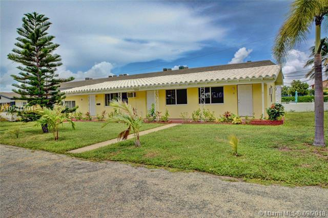 3221 NE 9th St, Pompano Beach, FL 33062 (MLS #A10534601) :: Stanley Rosen Group