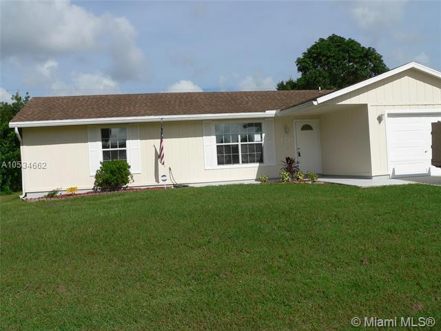 1271 SW Empire St, Port St. Lucie, FL 34983 (MLS #A10534662) :: Stanley Rosen Group