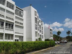 6903 Cypress Rd B19, Plantation, FL 33317 (MLS #A10534750) :: Stanley Rosen Group