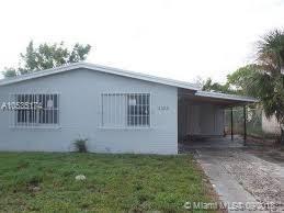 1573 W 34th St, Riviera Beach, FL 33404 (MLS #A10535174) :: Stanley Rosen Group