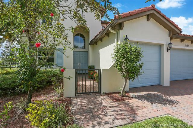 2121 Belcara Ct, Royal Palm Beach, FL 33411 (MLS #A10535273) :: Stanley Rosen Group