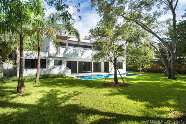 1760 Chucunantah Rd, Coconut Grove, FL 33133 (MLS #A10535318) :: The Riley Smith Group