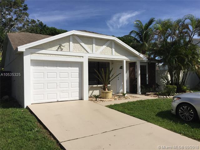 22839 N Sandalfoot Blvd, Boca Raton, FL 33428 (MLS #A10535325) :: Stanley Rosen Group