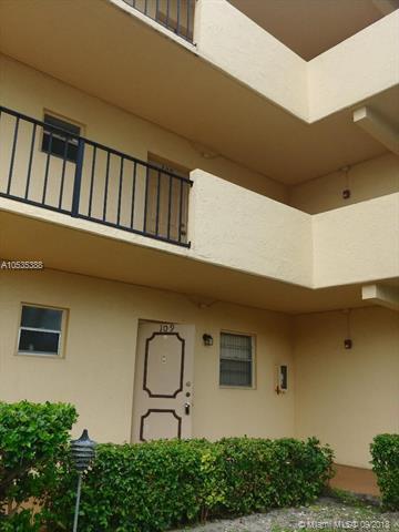 101 Berkley Rd #109, Hollywood, FL 33024 (MLS #A10535388) :: Stanley Rosen Group