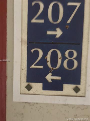 8885 Okeechobee Blvd #208, West Palm Beach, FL 33411 (MLS #A10535462) :: Stanley Rosen Group