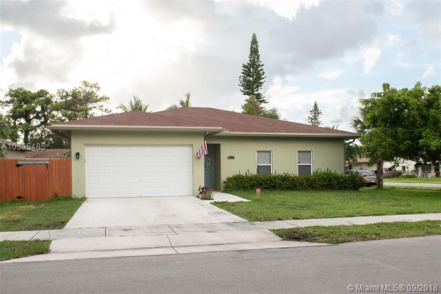 4095 NW 5th Ave, Oakland Park, FL 33309 (MLS #A10535485) :: Stanley Rosen Group