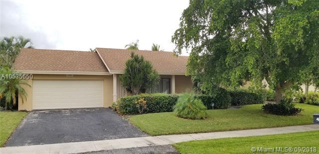 4883 Rabbit Hollow Dr, Boca Raton, FL 33487 (MLS #A10535650) :: Green Realty Properties