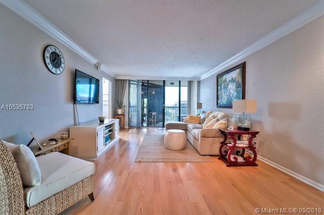 800 Jeffery St #404, Boca Raton, FL 33487 (MLS #A10535783) :: Green Realty Properties
