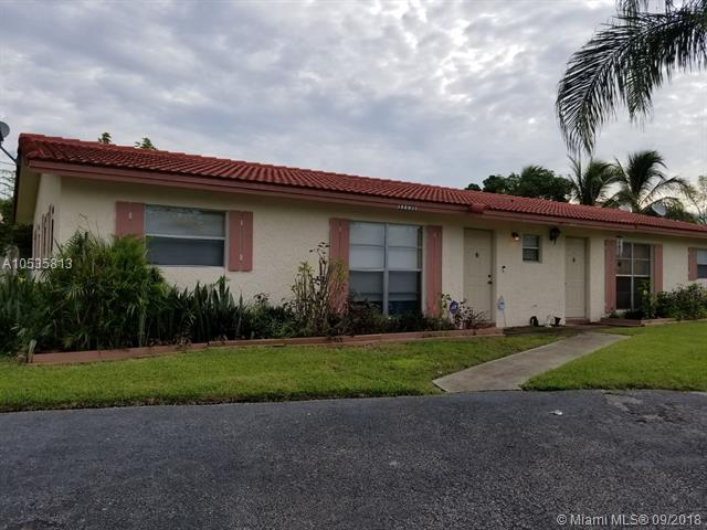 11191 NW 35th Pl, Coral Springs, FL 33065 (MLS #A10535813) :: Stanley Rosen Group