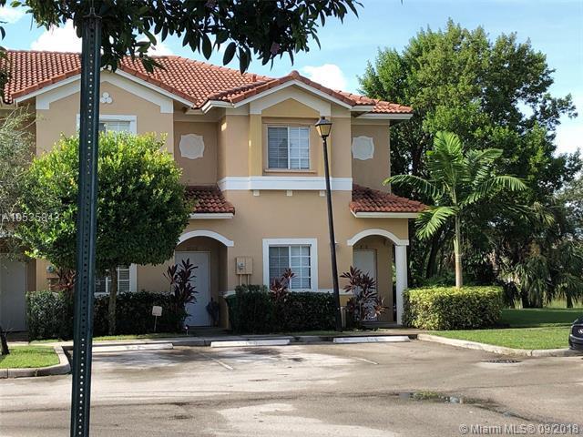 8810 Riverside St #8810, Tamarac, FL 33321 (MLS #A10535843) :: Stanley Rosen Group