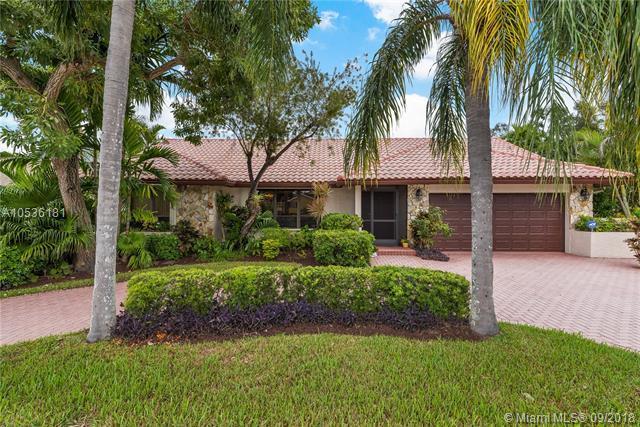 5690 S Pine Island Rd, Davie, FL 33328 (MLS #A10536181) :: Stanley Rosen Group