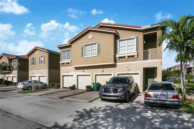 5752 Hampton Hills Blvd #5752, Tamarac, FL 33321 (MLS #A10536183) :: Stanley Rosen Group