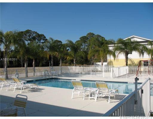 113 Carol Susan Ln, Fort Pierce, FL 34982 (MLS #A10536201) :: Green Realty Properties