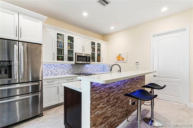 509 SW 146th Ter, Pembroke Pines, FL 33027 (MLS #A10536827) :: Stanley Rosen Group