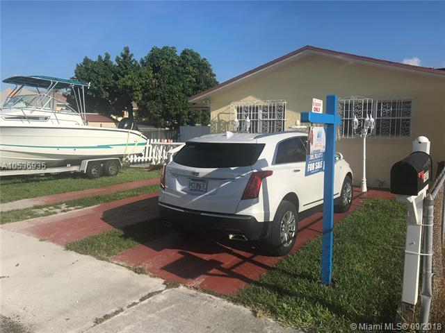 1437 W 38th St, Hialeah, FL 33012 (MLS #A10536935) :: Hergenrother Realty Group Miami