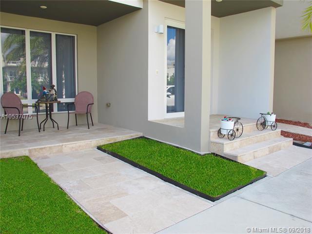 Miami, FL 33178 :: Green Realty Properties